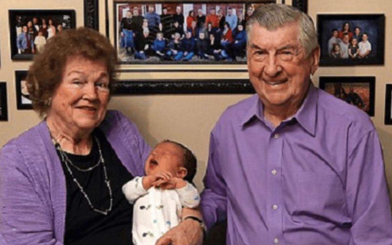 Семья, в которой родился 102-й внук. А вы бы хотели огромную семью?