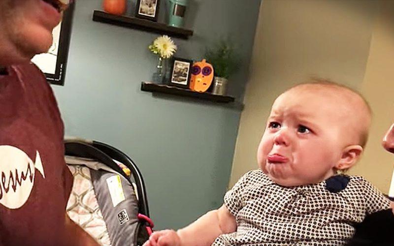 Малыш не хочет, чтоб папа целовал маму. Видео, полное эмоций
