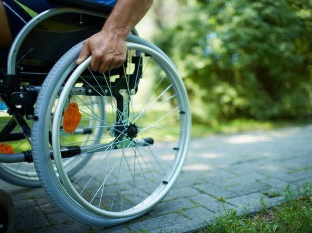 Картинки по запросу инвалидная коляска с человеком