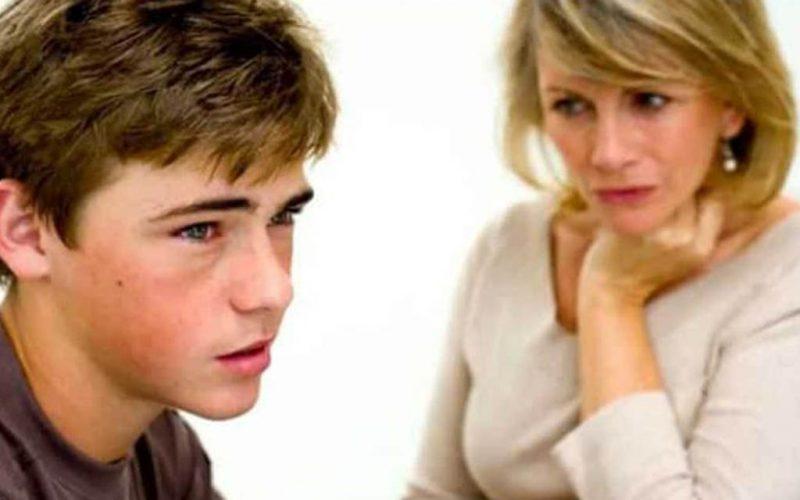 Сын-подросток пристыдил мать в магазине. А она преподала ему урок