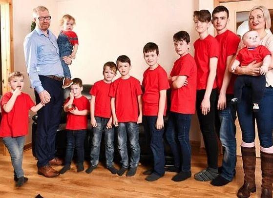 «11 детей за 17 лет»: хотели девочку, получилось с 11 раза. Показываем многодетную семью