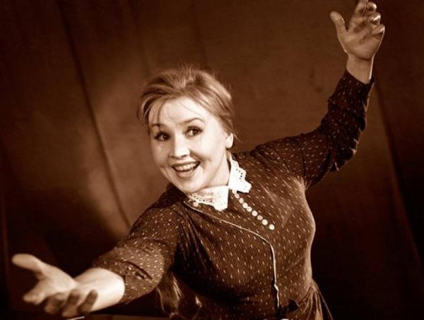 «Необычная судьба Екатерины Савиновой»: подробности из семейной жизни