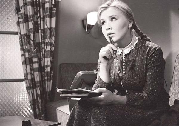 «Необычная судьба Екатерины Савиной»: подробности из семейной жизни