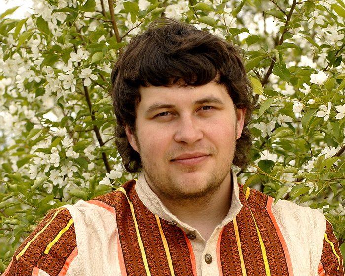 «Играй, гармонь»: как сегодня выглядит сын основоположника любимой передачи Захар Заволокин