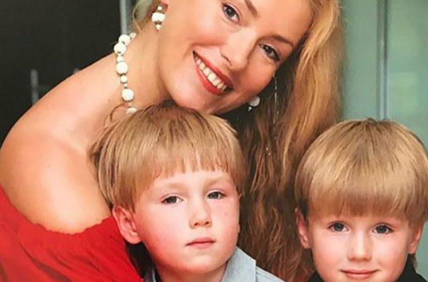 Сыновья-двойняшки Марии Шукшиной – как они выглядят сейчас