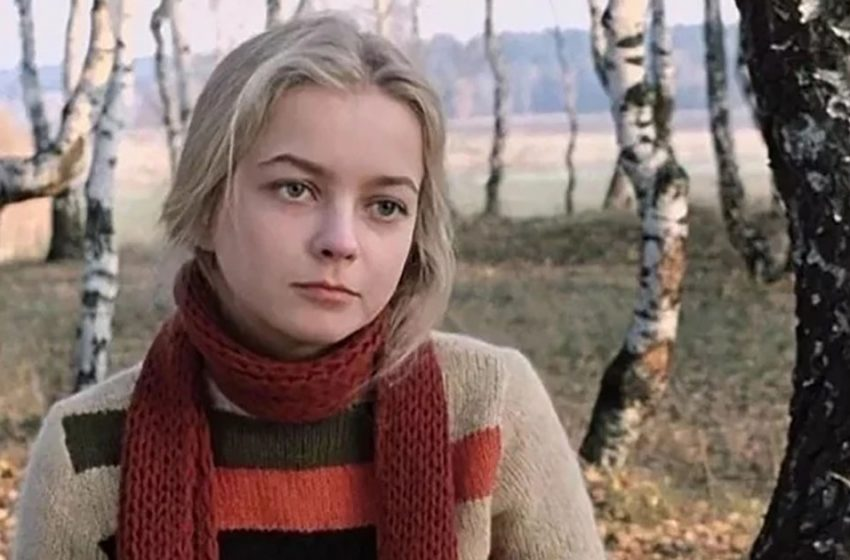 Александре из кинофильма «Москва слезам не верит» исполнился 61 год. Как сегодня живёт некогда известная Наталья Вавилова?