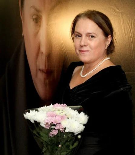 Актрисе Надежде Маркиной уже 61 год. Как выглядит и чем занимается известная «Елена»
