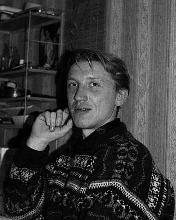Как выглядят сейчас бывшая супруга и взрослые дети Олега Хромова исполнителя хита «На белом покрывале января»