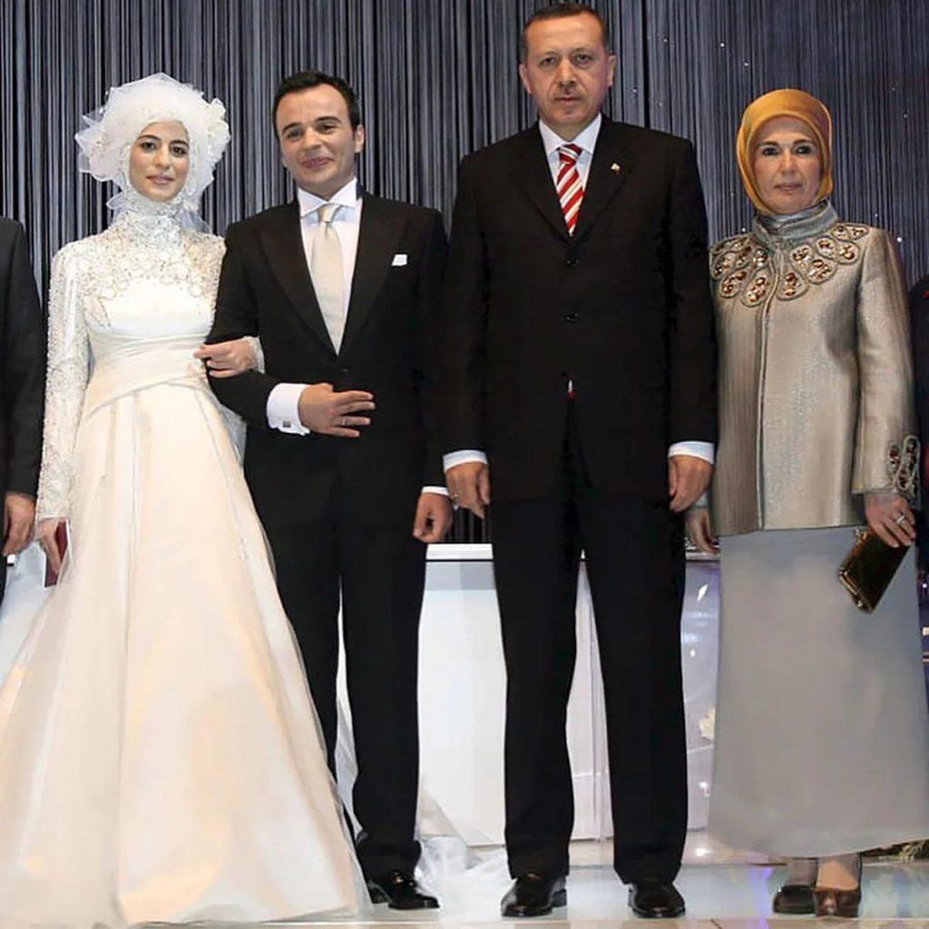 Элегантные образы и необычные аксессуары Первой леди Турции Эмине Эрдоган