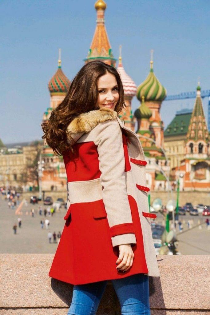 Наталия Орейро исполнила военную песню на русском языке