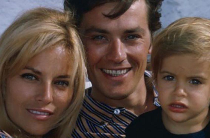 Как сложилась жизнь сына Алена Делона — Энтони, которому скоро 56