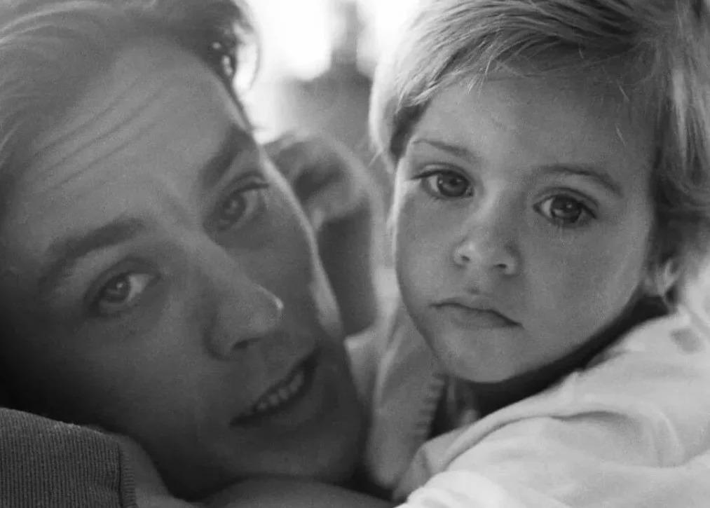 Как сложилась жизнь сына Алена Делона Энтони, которому скоро 56