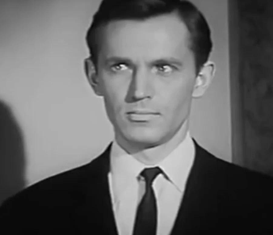 Станиславу Любшину уже 87 лет. Как живет и выглядит легендарный актер сегодня, и почему он развелся с супругой