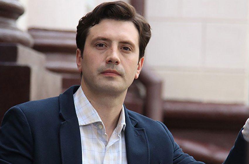 Алексей Анищенко: никаких скандалов, собственные стихи и сценарии, жена красавица и творческие планы