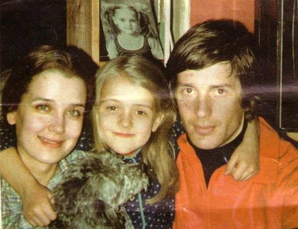Как изменились и кем стали дети, усыновлённые Ириной Алфёровой в 90-ых?