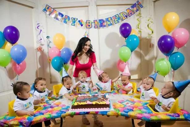 Как сегодня выглядит мать, которая одна воспитывает 14 своих детей, 8 из которых родились одновременно — история Нади Сулеман