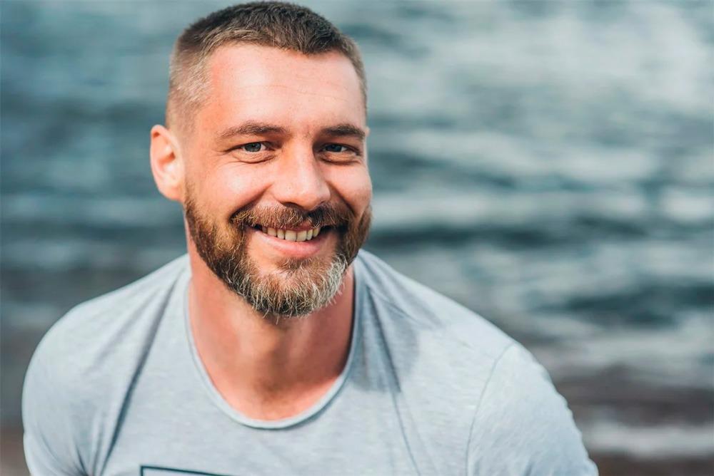 Привычка жениться: три брака Антона Батырева