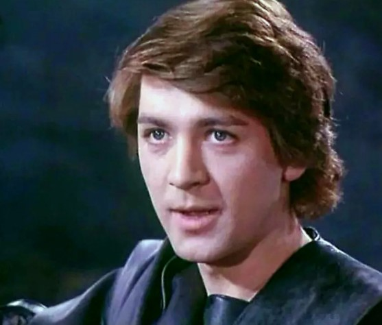 Его голос знает каждый – позднее отцовство и нелепый уход актёра и мастера дубляжа Владимира Вихрова