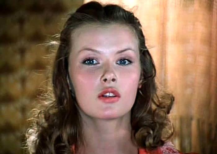 «Ослепительная красавица»: как выглядит сегодня 63-летняя актриса Тамара Акулова, которая была на пике популярности в 80-х