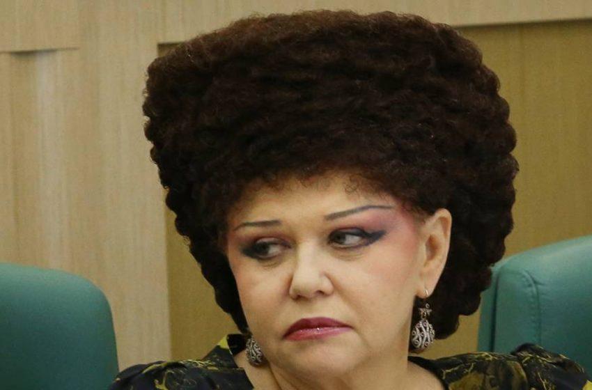 Как выглядела Валентина Петренко до «вшивого домика»: ее фотографии без парика и тонны косметики удивляют