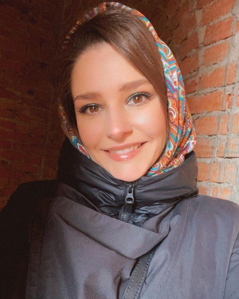 «Теперь уже не скромница»: Глафира Тарханова поразила смелыми фото в бра