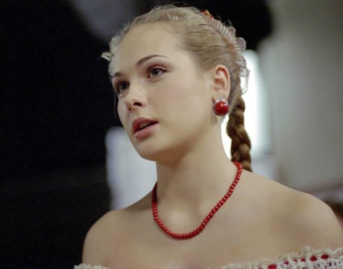«А ведь была такой красавицей»: новые фото Анны Горшковой ошарашили поклонников
