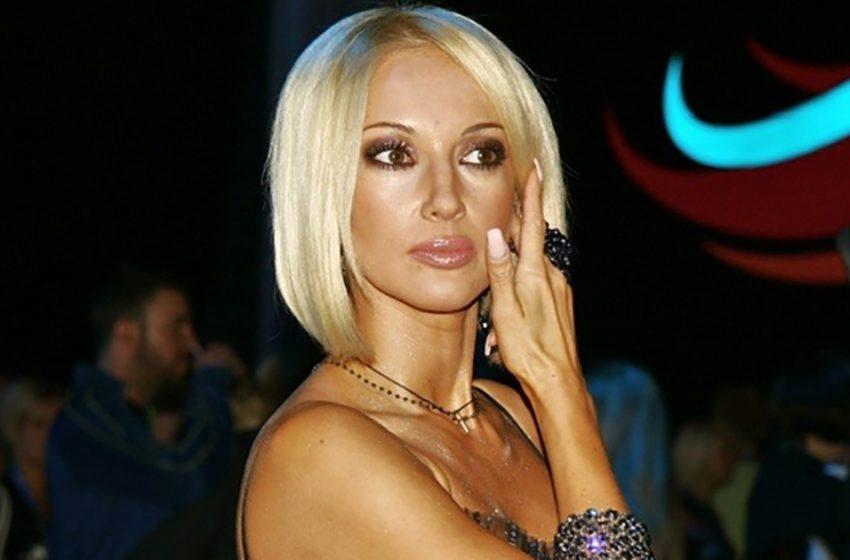 «Нестареющая красотка»: Лера Кудрявцева поплескалась в бассейне в мини-бикини