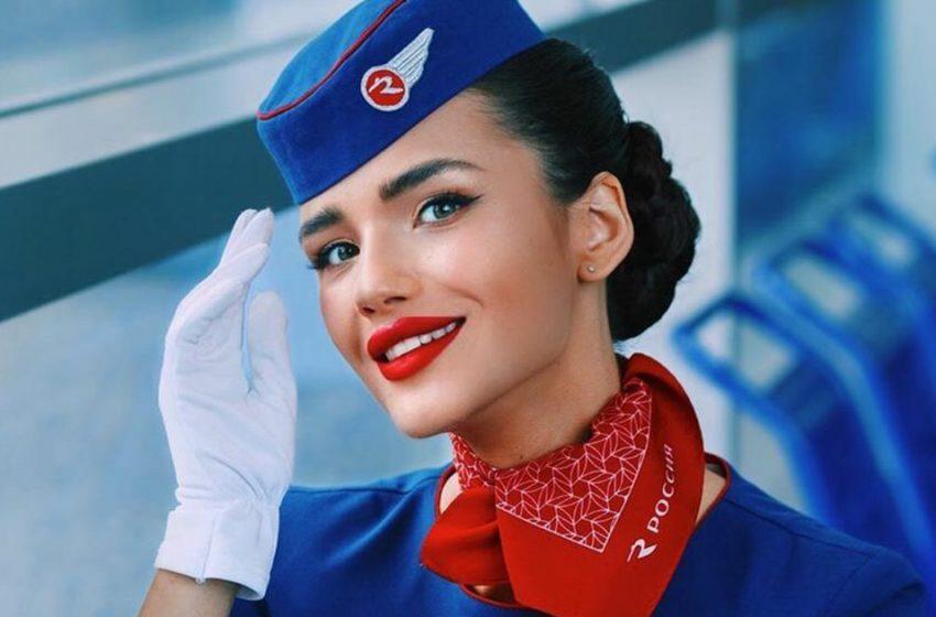 «Стройная мамочка!»: самая красивая стюардесса России снялась в бикини после родов