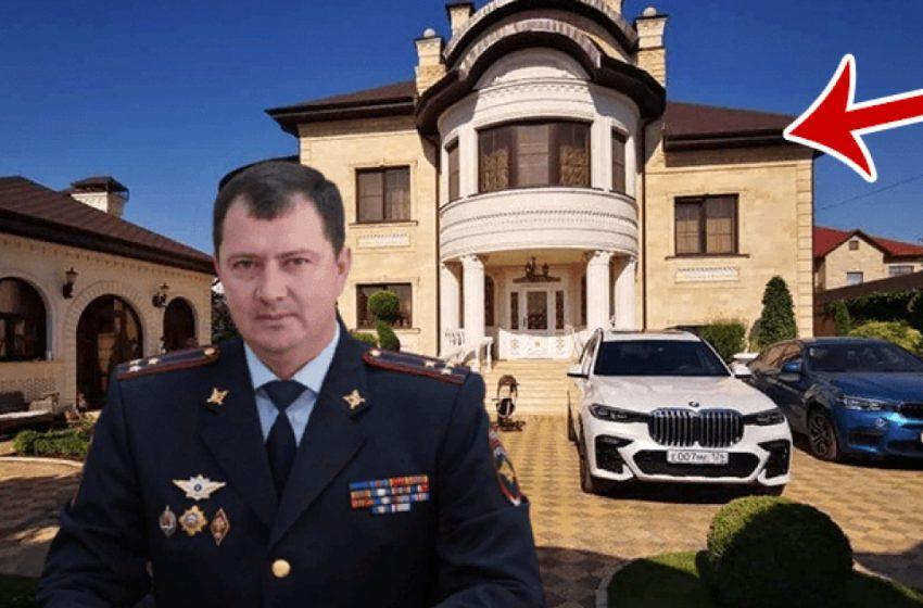 «Китч и безвкусица»: золотой унитаз главы ГИБДД шокировал общественность