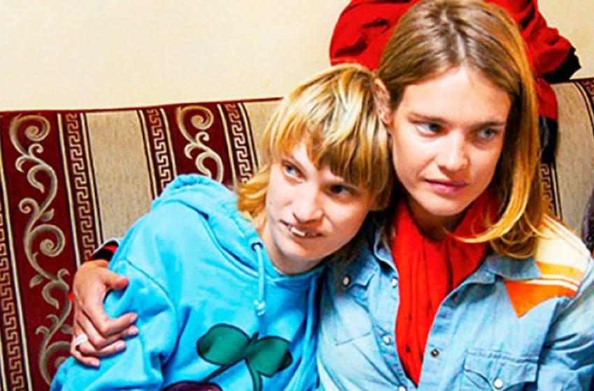 «Какая умница, не опускает руки»: Как живет «особенная» сестра одной из лучших моделей Натальи Водяновой