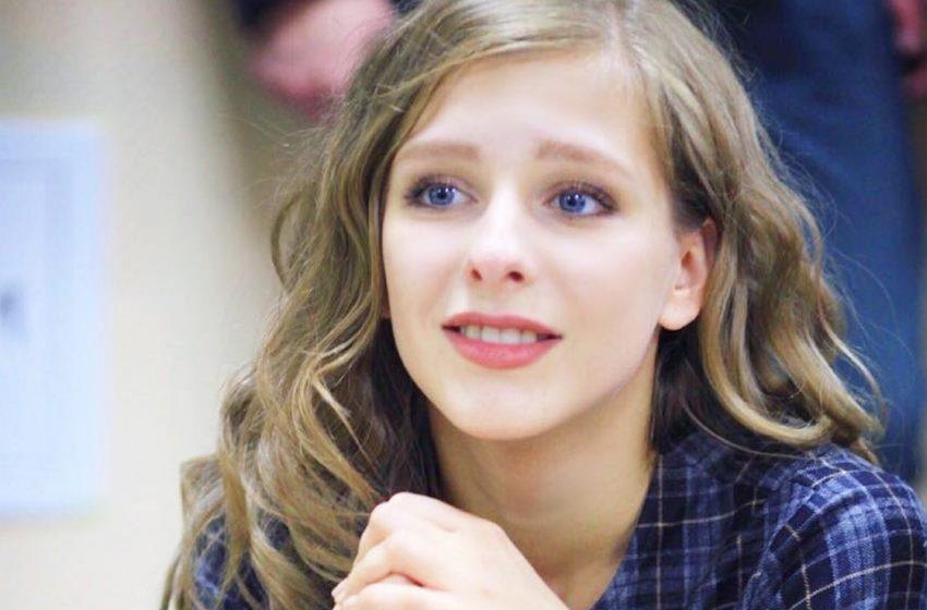 «Какая красивая и дерзкая»: Арзамасова обновила имидж и сделала каре