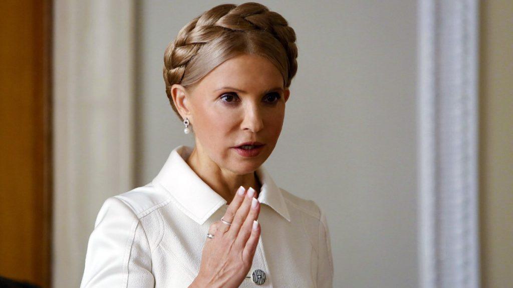 «Оппозиционер, депутат, бабушка»: Пользователи удивились сходству Тимошенко с дочерью и внучкой Евой