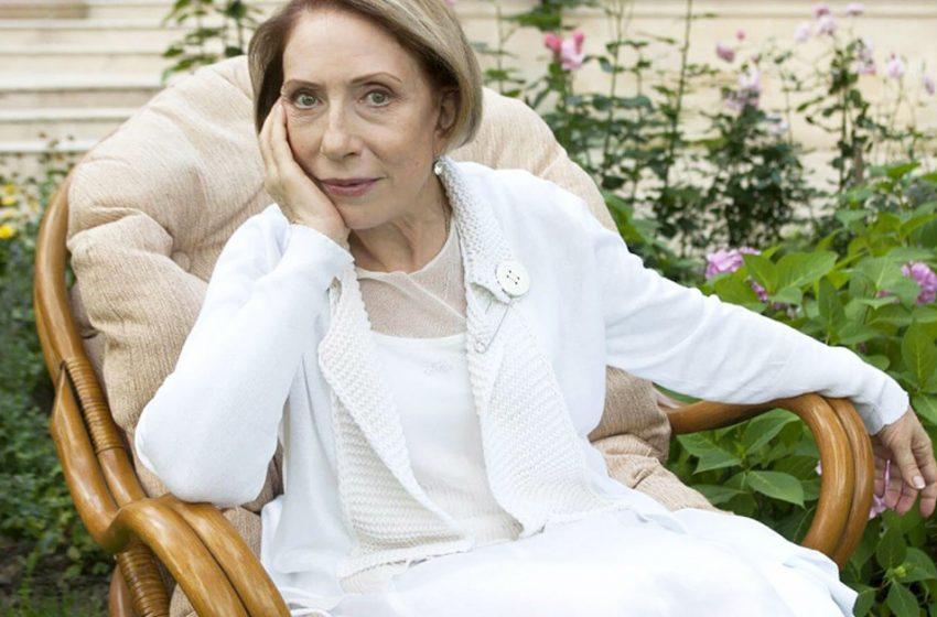 «Прекрасна и изящна, как сама Италия!»: 77-летнюю Чурикову осудили за недавние фото с отдыха